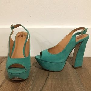 fc59216dca9 Teal suede peep toe pumps with chunky heal